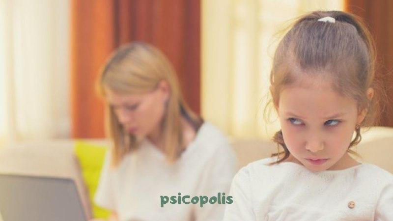 Berrinches y rabietas infantiles: qué hacer ante los enfados de los niños y niñas